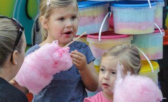 Braderie in Slangebeek - Gratis suikerspin voor de kinderen!